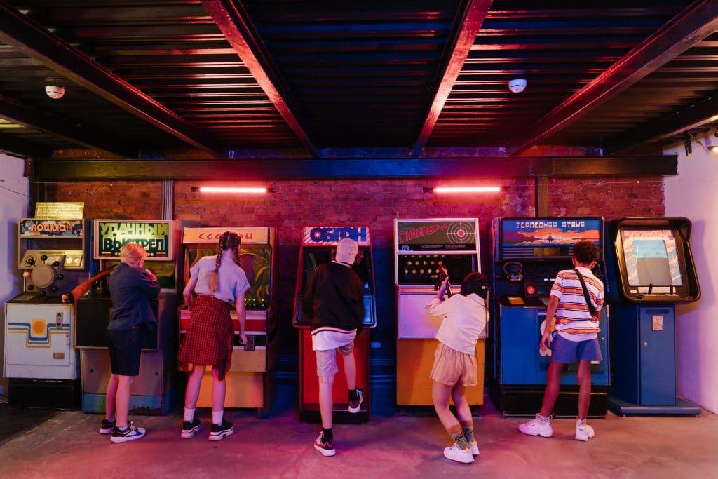 synthwave arcade